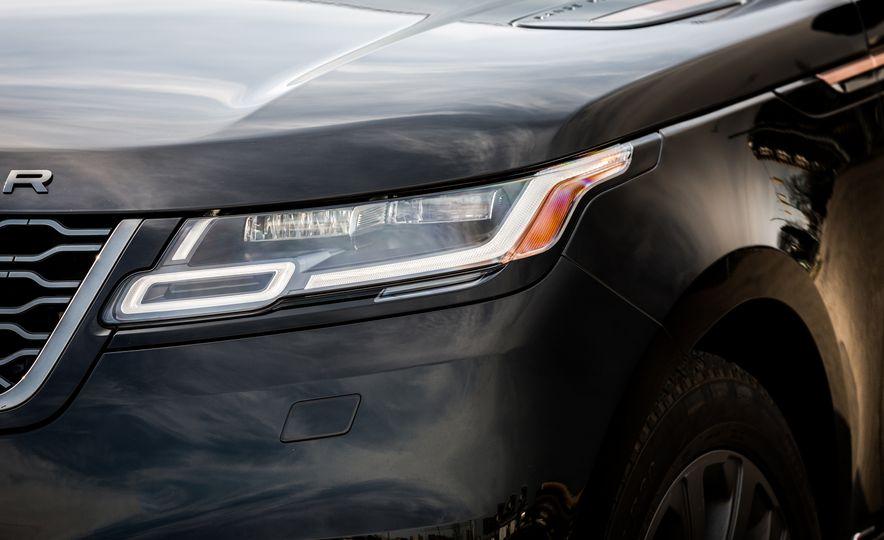 2018 Jaguar F-Pace 30t and 2018 Land Rover Range Rover Velar P250 - Slide 22