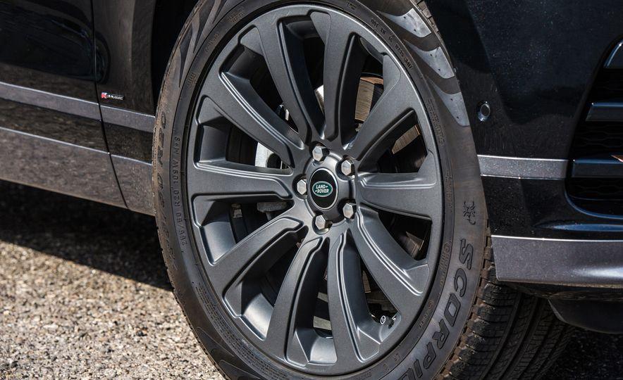 2018 Jaguar F-Pace 30t and 2018 Land Rover Range Rover Velar P250 - Slide 23