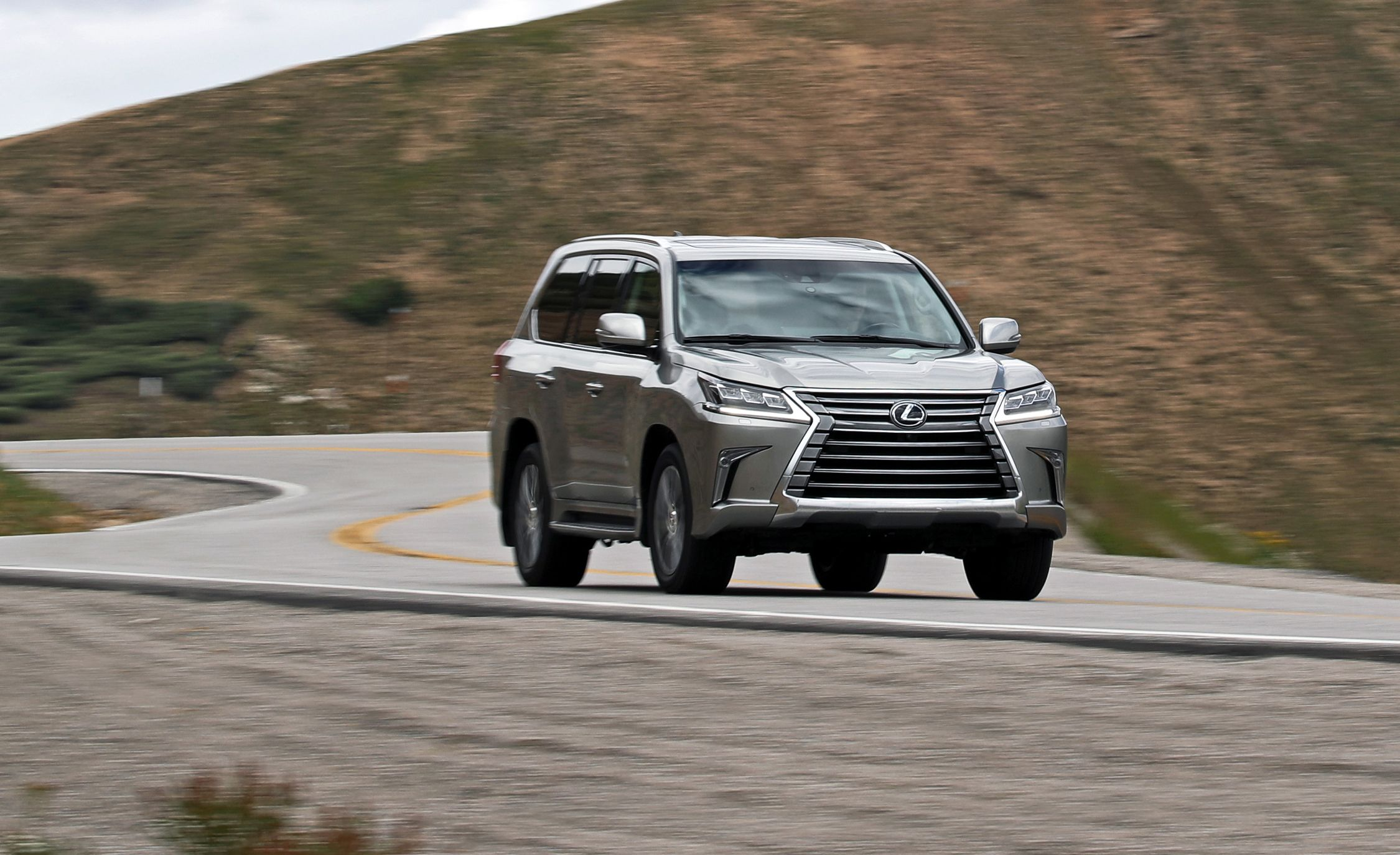 2018 Lexus Lx In Depth Model Review Car And Driver
