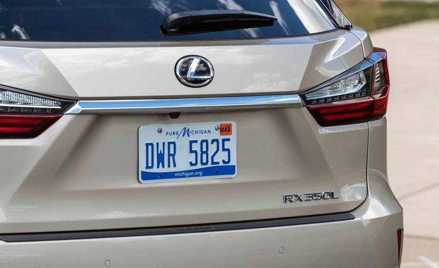 2018 Lexus RX 350L - Slide 12