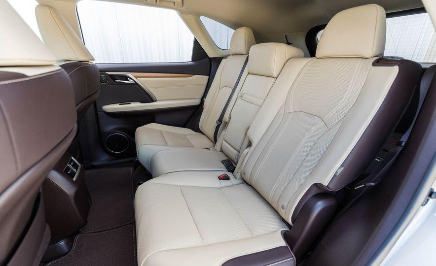 2018 Lexus RX 350L - Slide 23