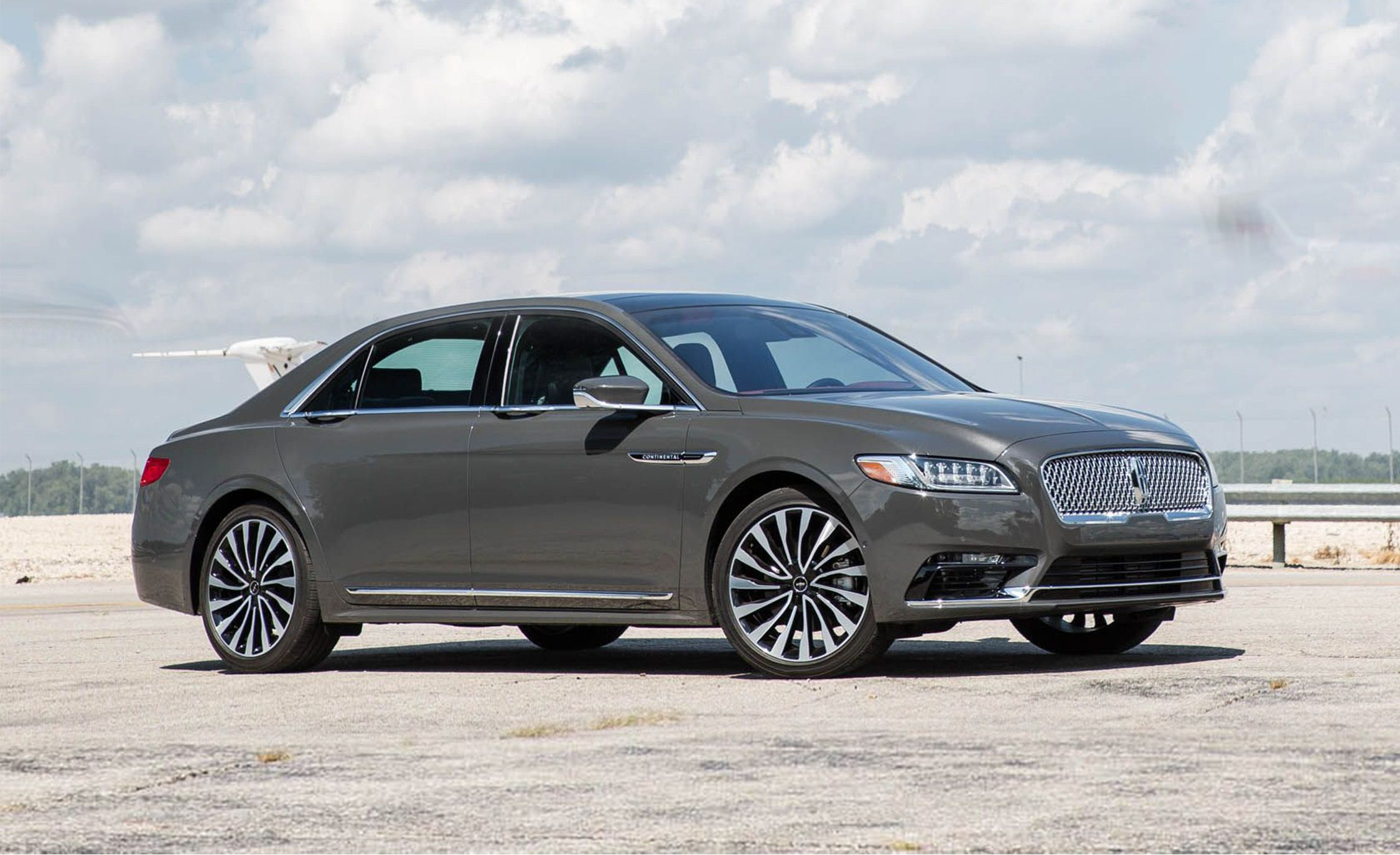 2019 Lincoln Continental Reviews Price Photos And Specs Car Driver