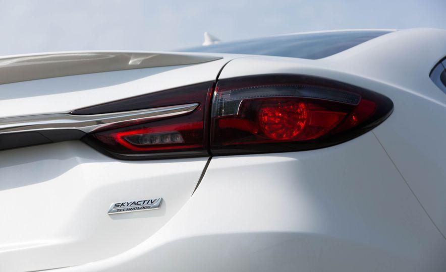2018 Mazda 6 - Slide 24