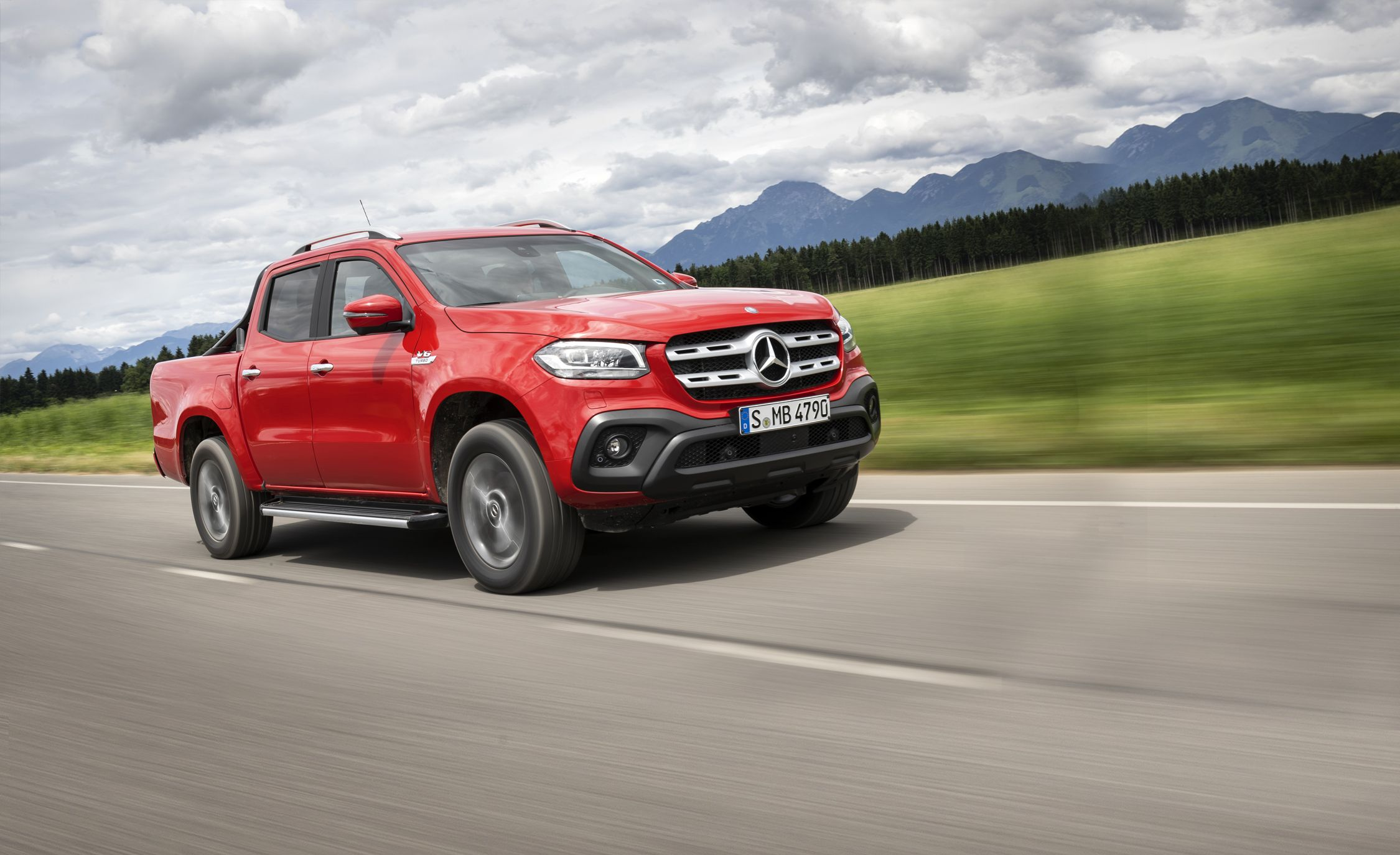 2018 Mercedes Benz X Class Pickup First Drive Review Car And Driver