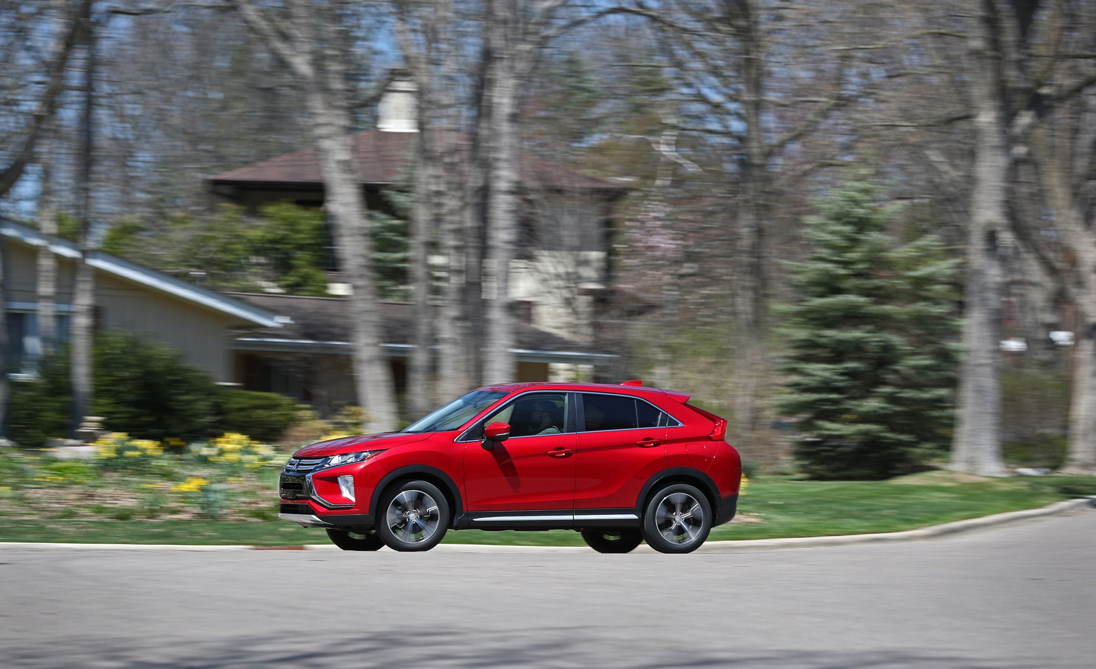 2019 Mitsubishi Eclipse Cross Reviews Price Photos And Specs Car Driver