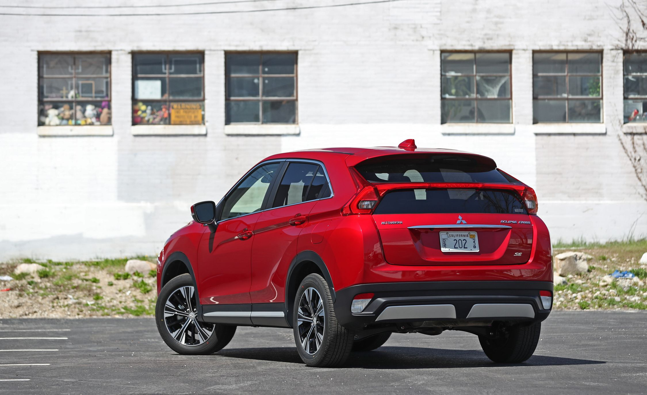 2019 Mitsubishi Eclipse Cross Reviews | Mitsubishi Eclipse Cross Price,  Photos, and Specs | Car and Driver