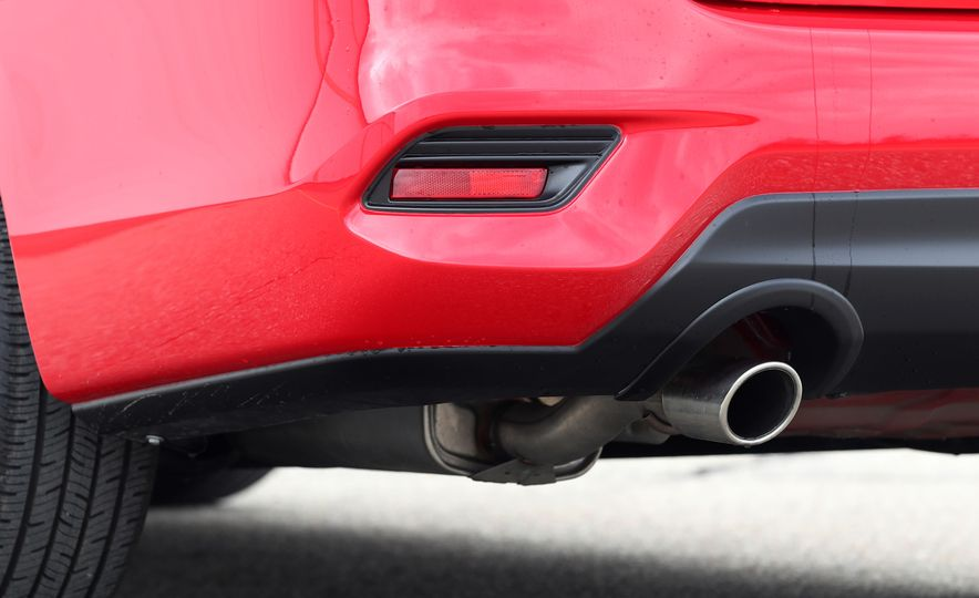 2018 Nissan Sentra SR Turbo - Slide 31
