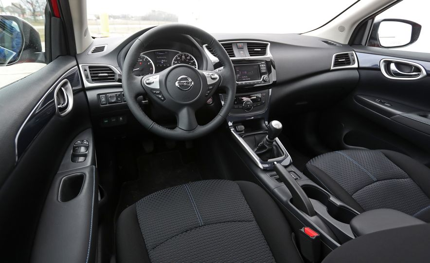 2018 Nissan Sentra SR Turbo - Slide 35