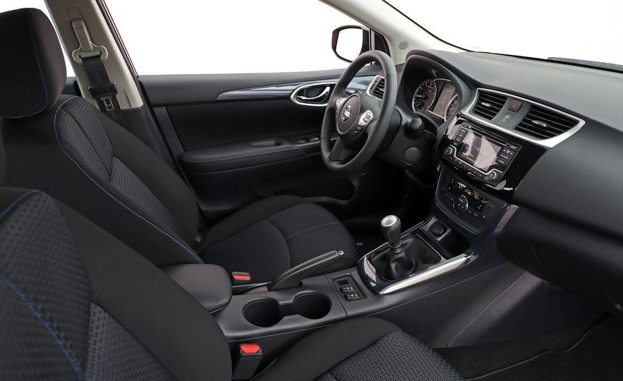 2018 Nissan Sentra SR Turbo - Slide 36