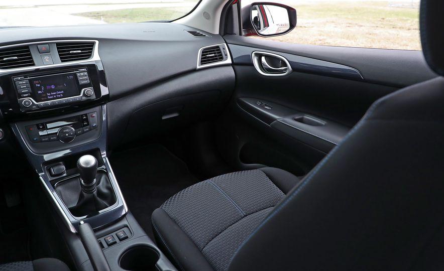 2018 Nissan Sentra SR Turbo - Slide 37