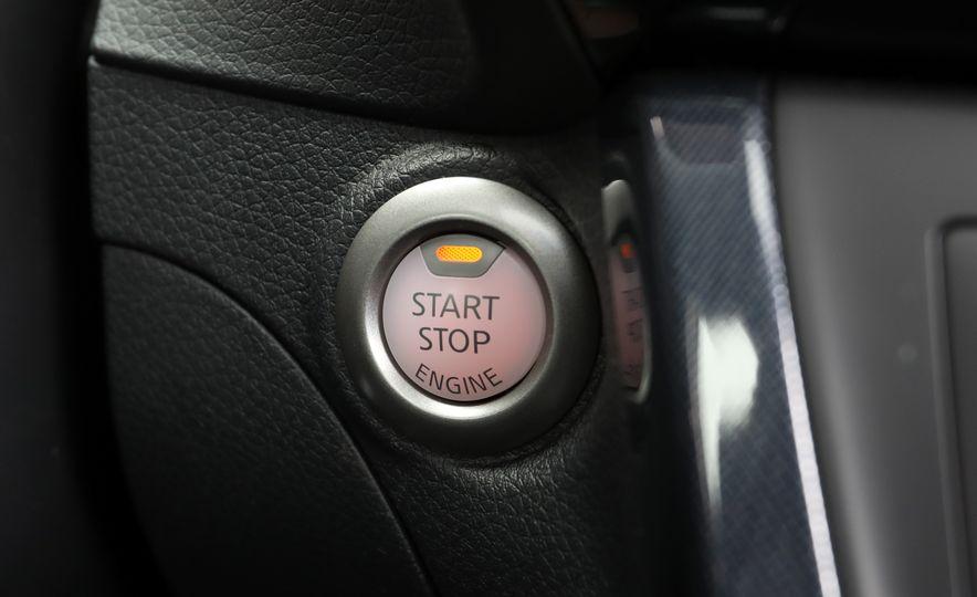 2018 Nissan Sentra SR Turbo - Slide 42