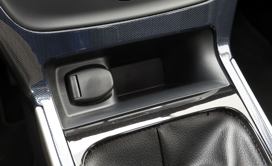 2018 Nissan Sentra SR Turbo - Slide 46