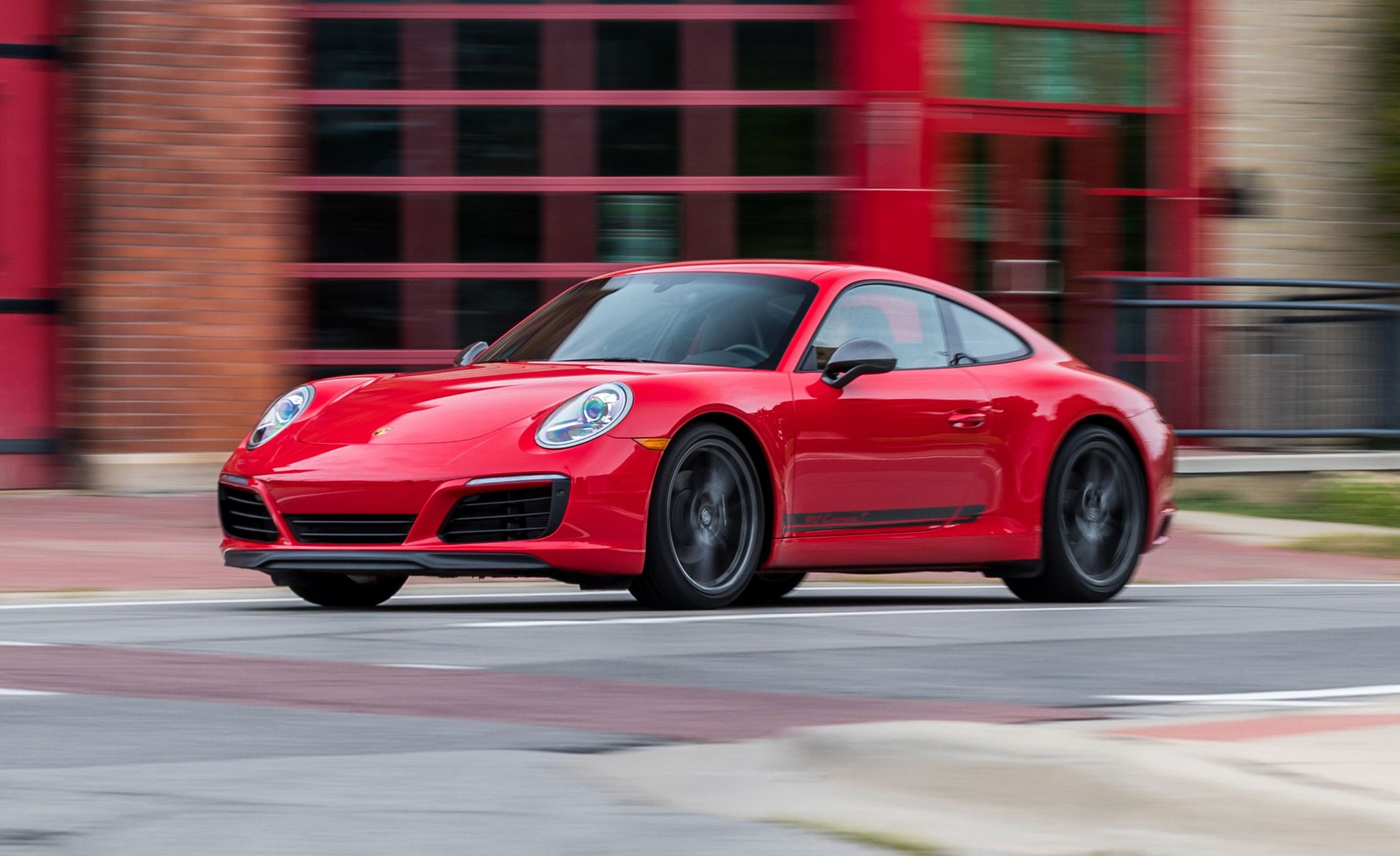 The 2018 Porsche 911 Carrera T Is Purist Perfection