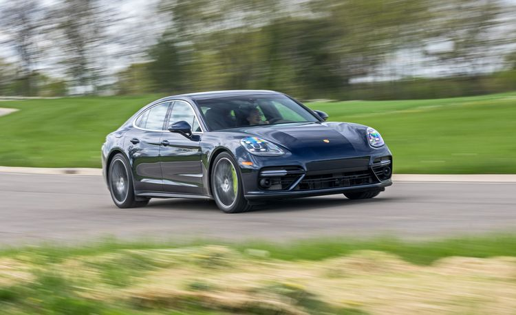The 2018 Porsche Panamera Turbo S E-Hybrid Is Capable but Clinical