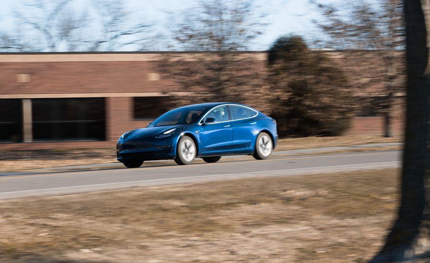 2018 Tesla Model 3 - Slide 9