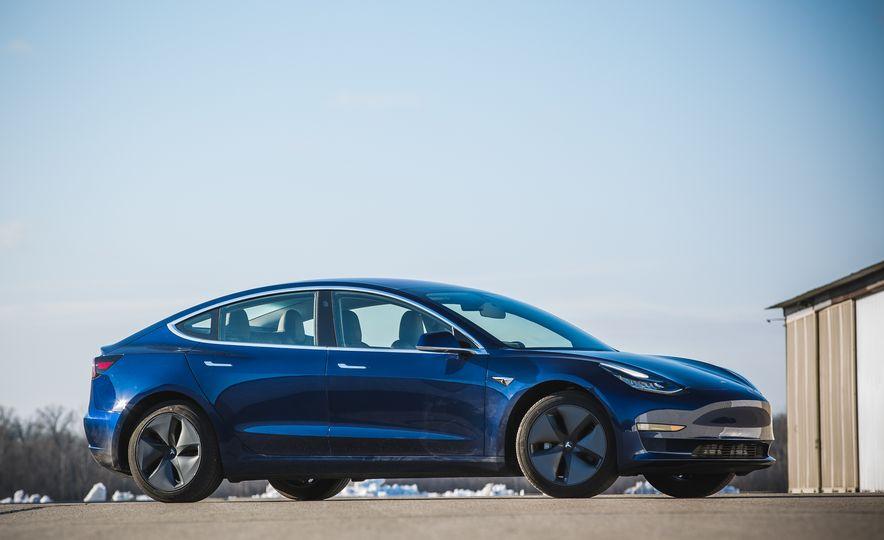 2018 Tesla Model 3 - Slide 13