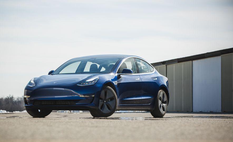 2018 Tesla Model 3 - Slide 14