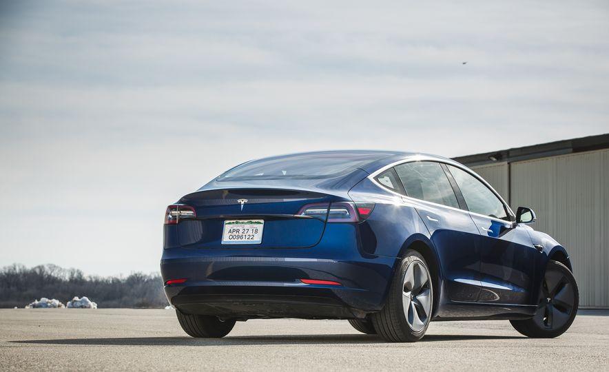2018 Tesla Model 3 - Slide 16