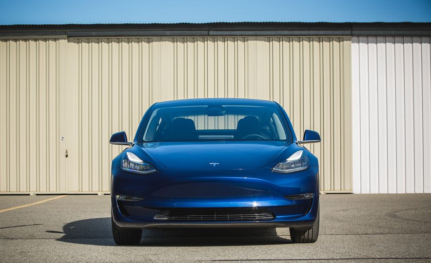 2018 Tesla Model 3 - Slide 17