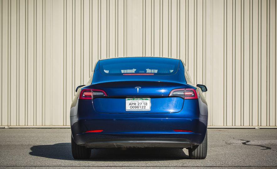 2018 Tesla Model 3 - Slide 18