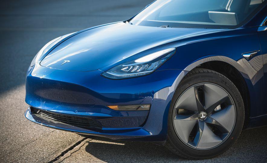 2018 Tesla Model 3 - Slide 19
