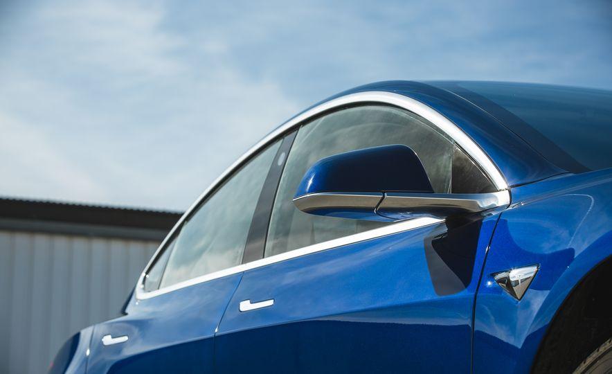 2018 Tesla Model 3 - Slide 23