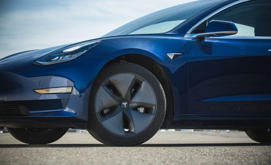 2018 Tesla Model 3 - Slide 25