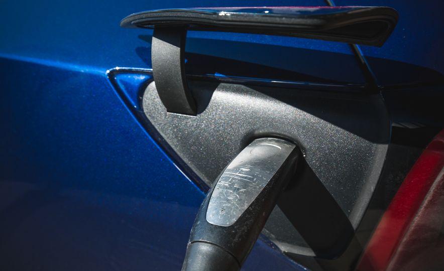 2018 Tesla Model 3 - Slide 28