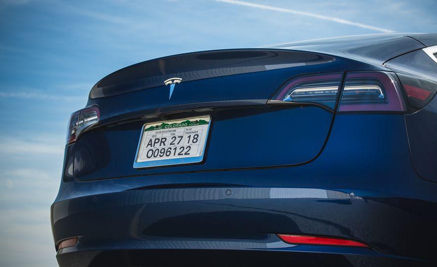 2018 Tesla Model 3 - Slide 30