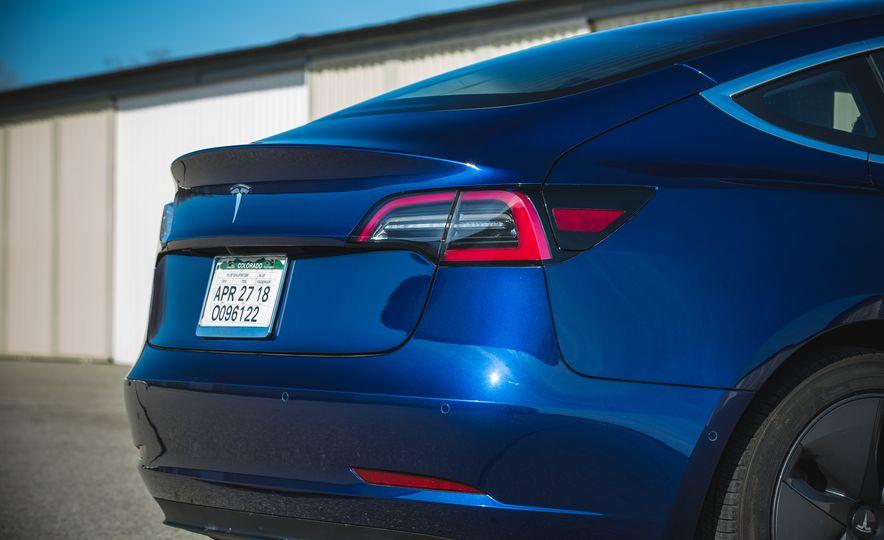 2018 Tesla Model 3 - Slide 31