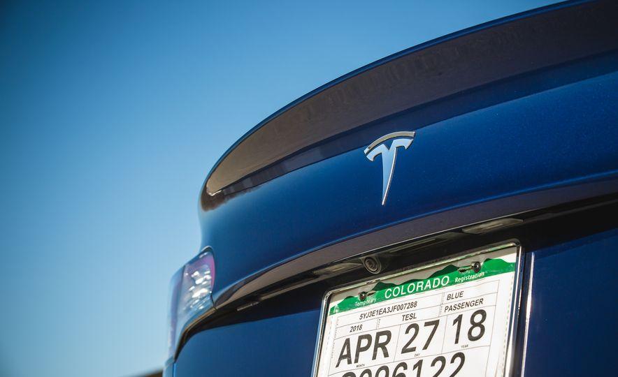 2018 Tesla Model 3 - Slide 32