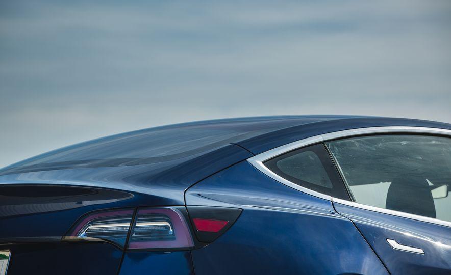 2018 Tesla Model 3 - Slide 33