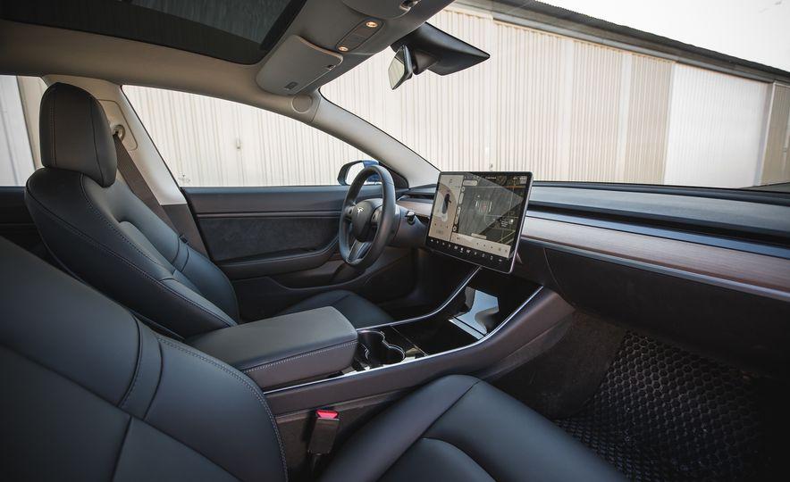 2018 Tesla Model 3 - Slide 34