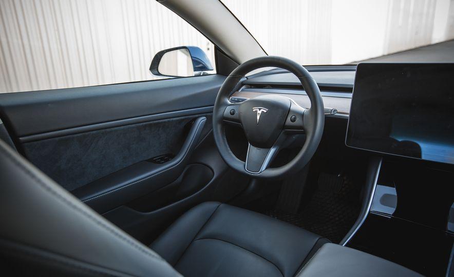 2018 Tesla Model 3 - Slide 40