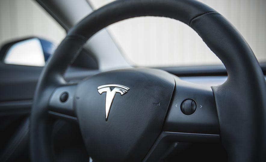 2018 Tesla Model 3 - Slide 42