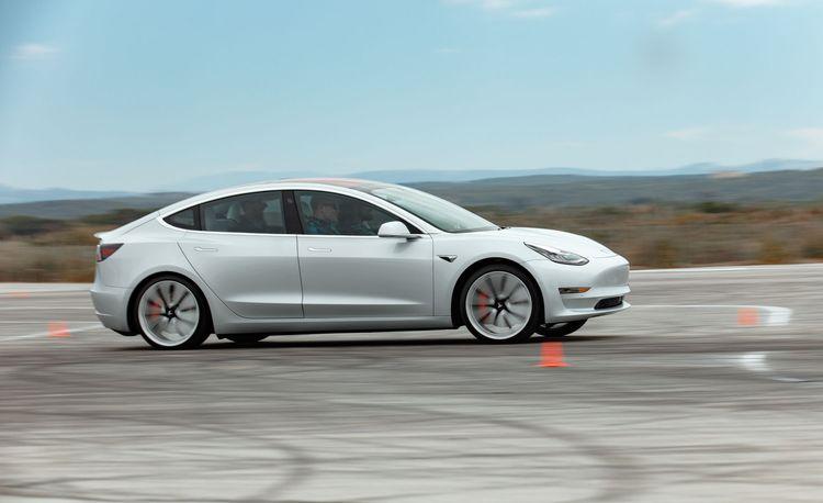 Tesla Includes Model 3 Performance Upgrade as Standard on Top Version