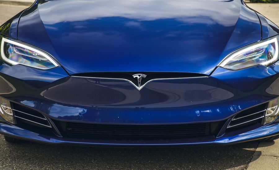 Tesla and Other EV Makers May Get Reprieve on End to Tax Credit