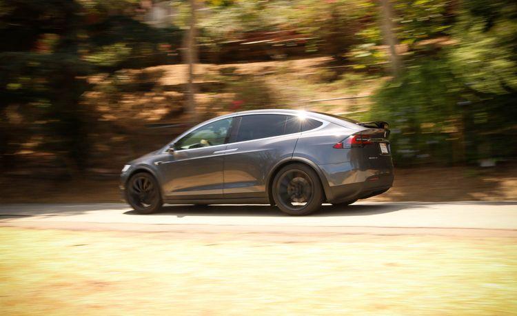 The 2018 Tesla Model X 100D Feels Appropriately Futuristic