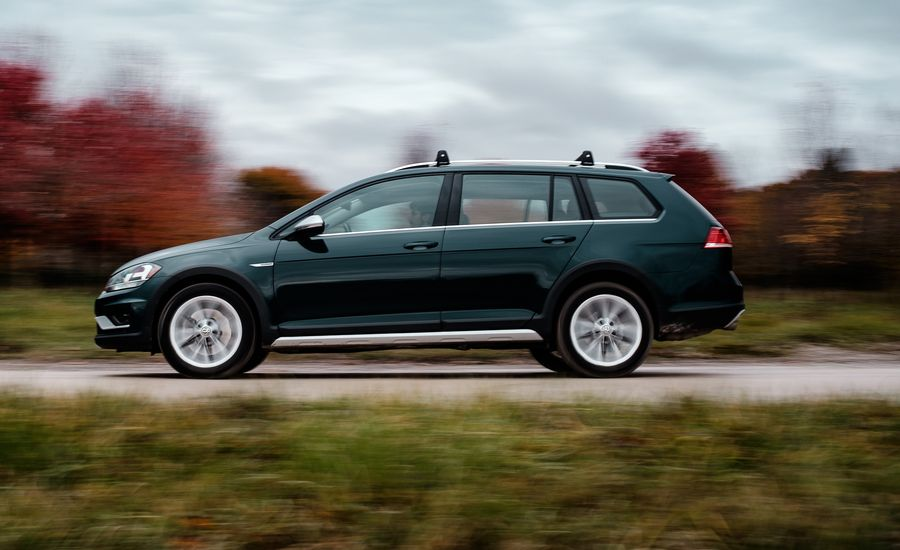 Our 2018 Volkswagen Golf Alltrack Still Charms Midway through Its Long-Term Test