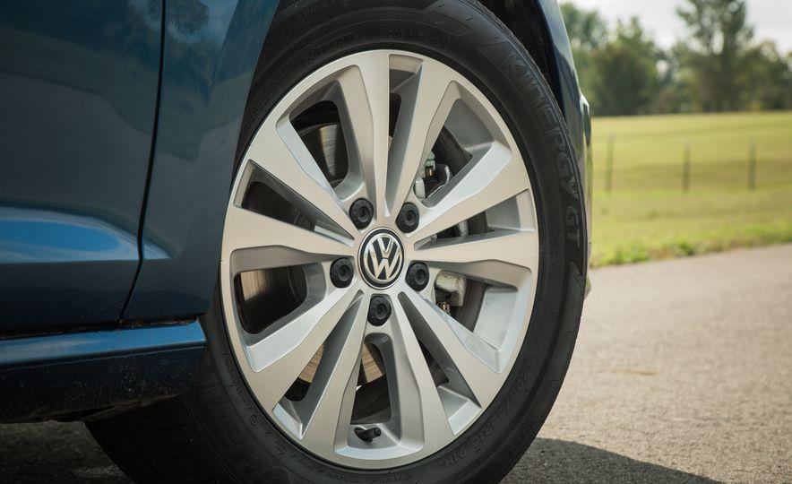 2018 Volkswagen Golf - Slide 23