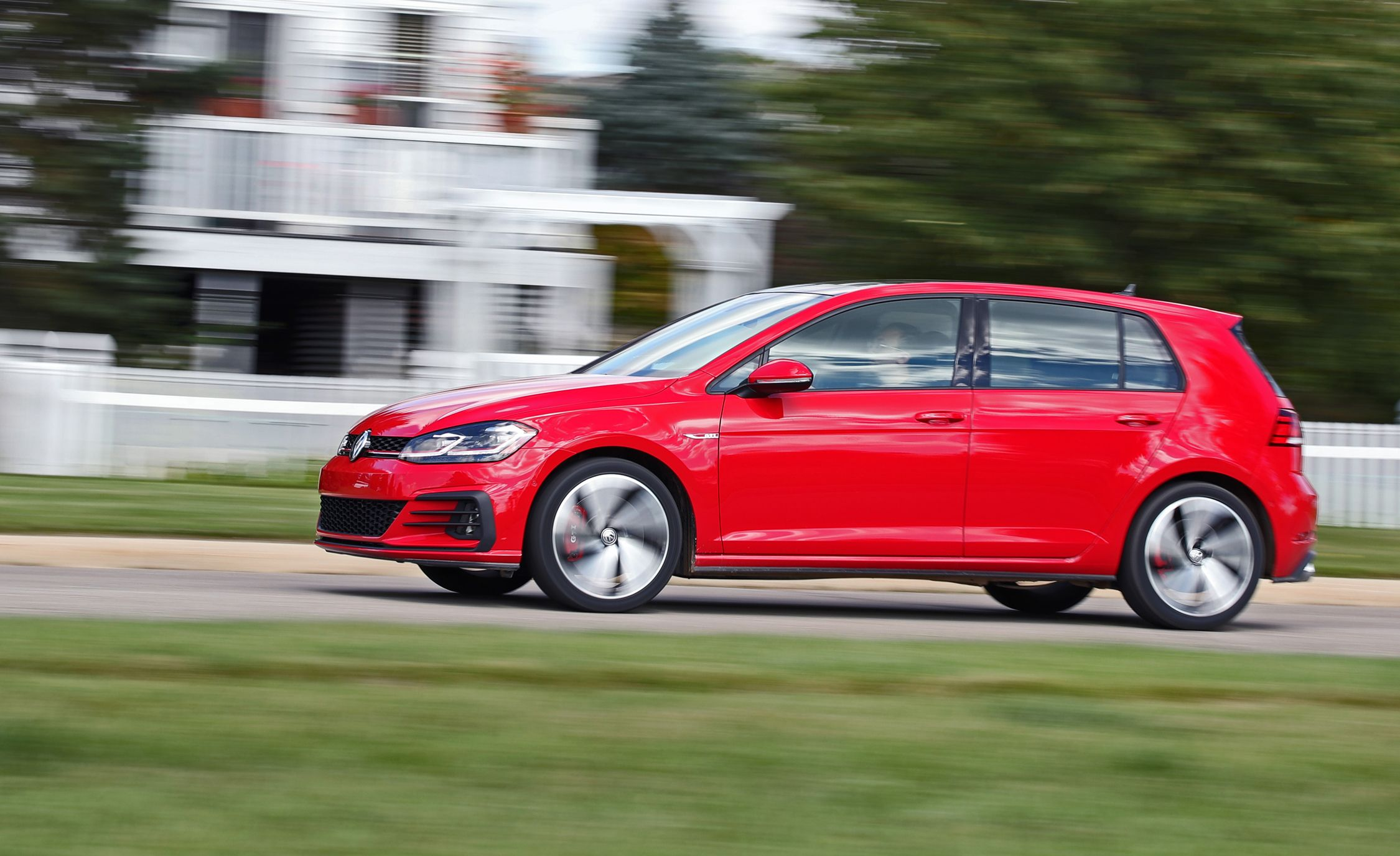 2019 Volkswagen Golf GTI Reviews | Volkswagen Golf GTI Price, Photos, and  Specs | Car and Driver
