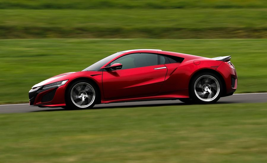 The 2019 Acura NSX Remains Polite to a Fault