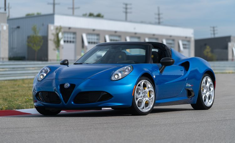 Alfa Romeo Is Dropping the 4C Coupe for 2019, Spider Stays
