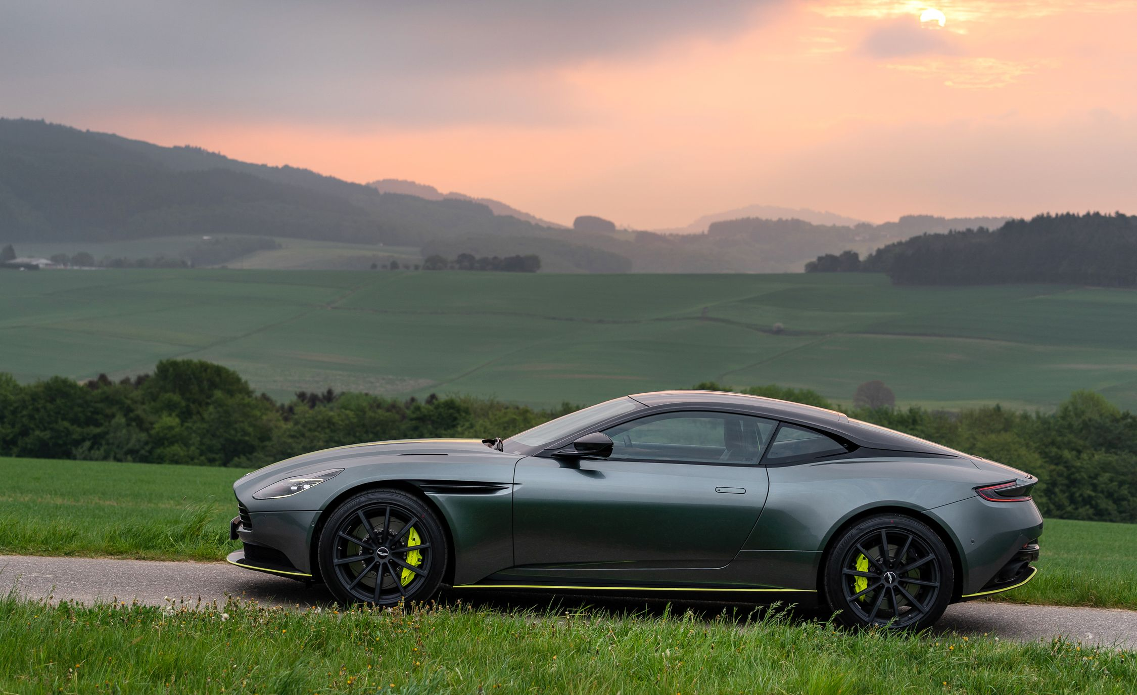 2019 Aston Martin Db11 Reviews Aston Martin Db11 Price Photos