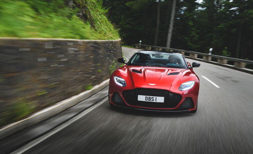 2019 Aston Martin DBS Superleggera - Slide 6