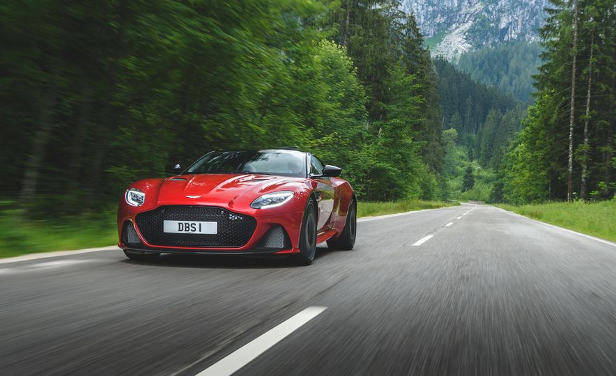 2019 Aston Martin DBS Superleggera - Slide 7