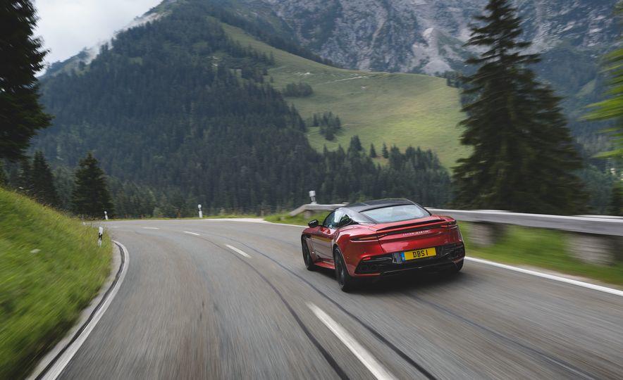 2019 Aston Martin DBS Superleggera - Slide 9