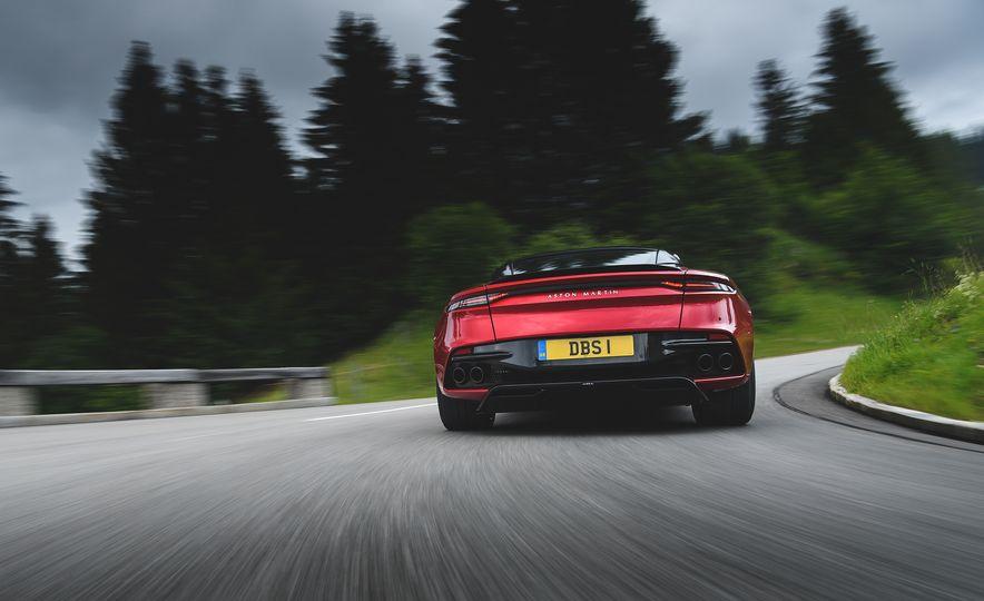 2019 Aston Martin DBS Superleggera - Slide 12