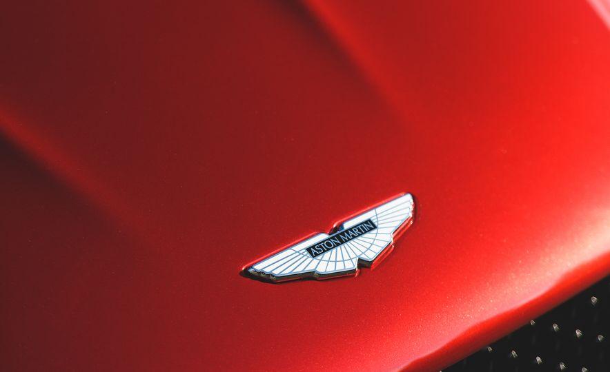 2019 Aston Martin DBS Superleggera - Slide 25