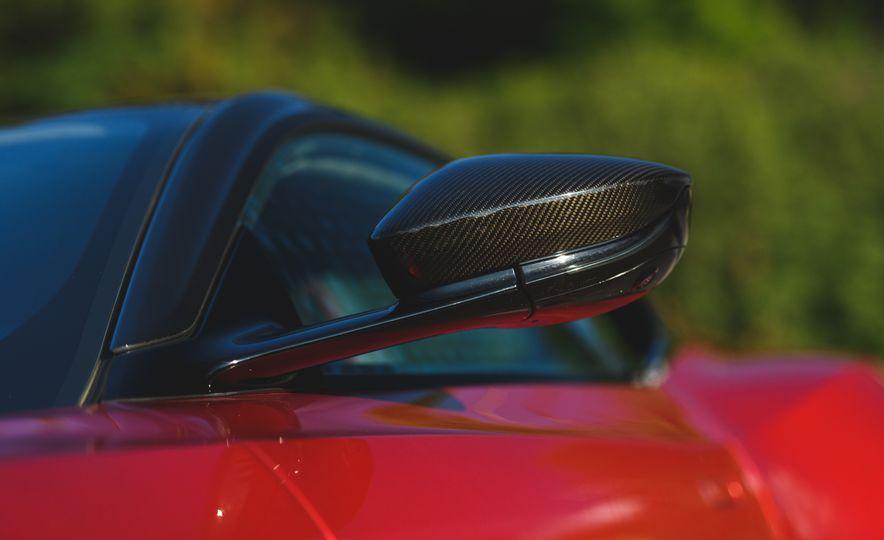 2019 Aston Martin DBS Superleggera - Slide 29